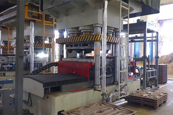 double moulds wood pallet making machine