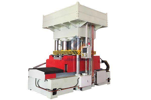 Double Moulds Wood Pallet Machine