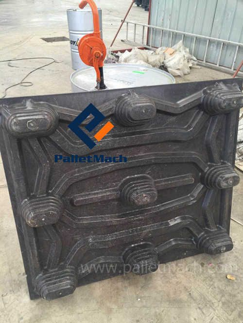 final plastic pallet of plastic pallet machine
