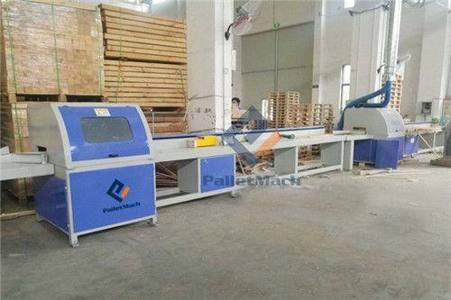 Automatic wood CNC saw